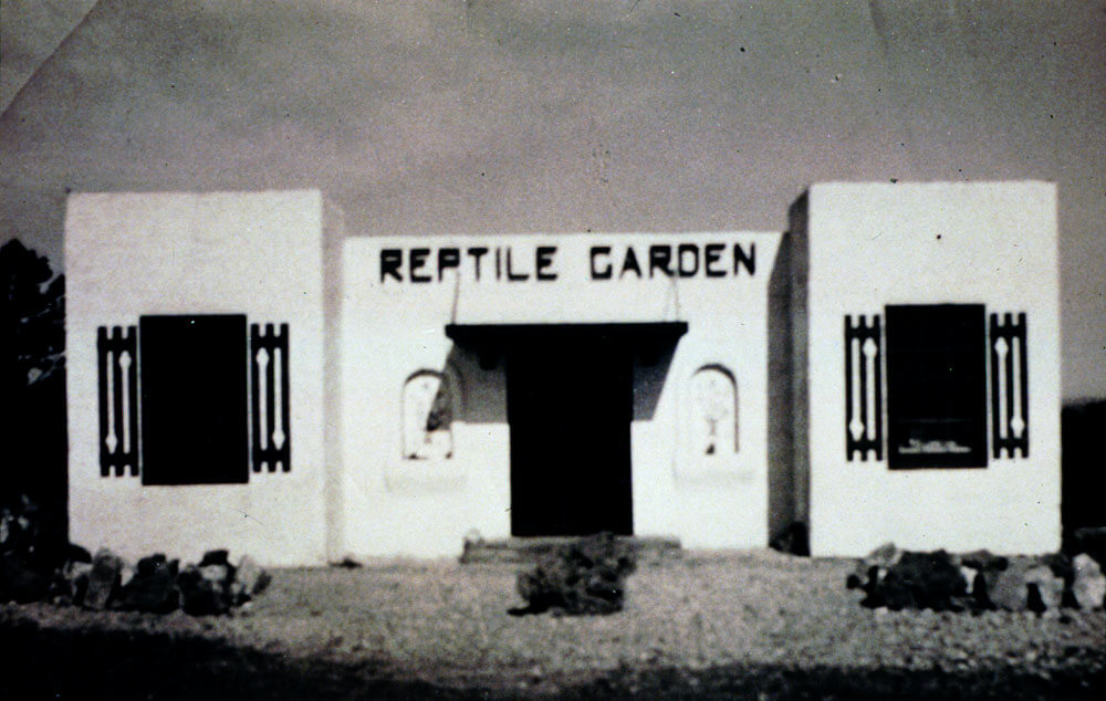 Image of the original building in 1937 for Reptile Gardens.