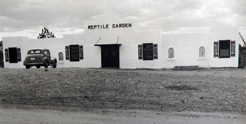 1939-building-car.jpg
