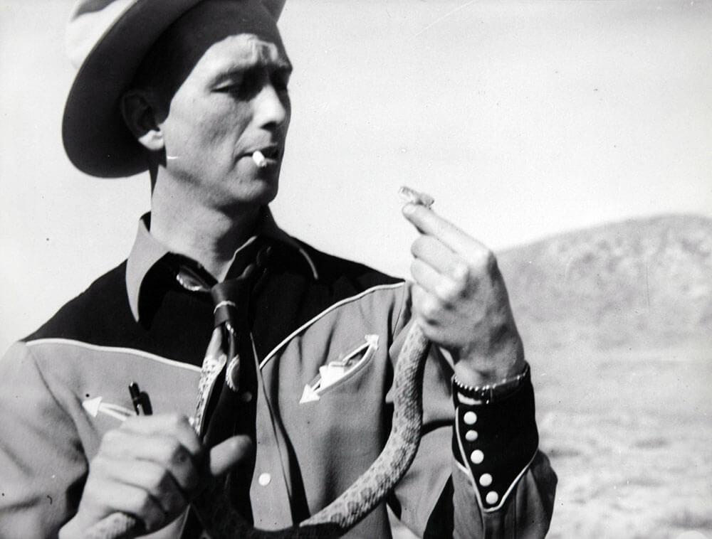 1940s-earl-snake.jpg