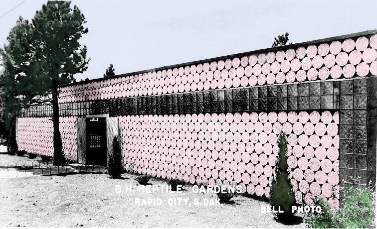 1949-snakehouse.jpg