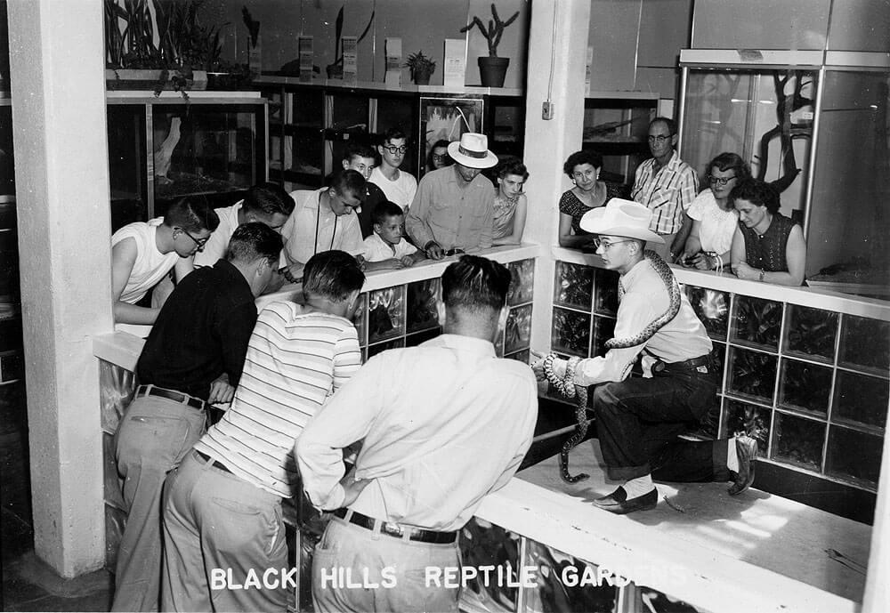 1950s-snakeshow.jpg