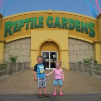 Welcome to Reptile Gardens